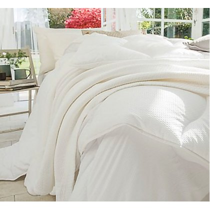 Breathe Duvet by The Fine Bedding Company (Tog: Four Seasons)